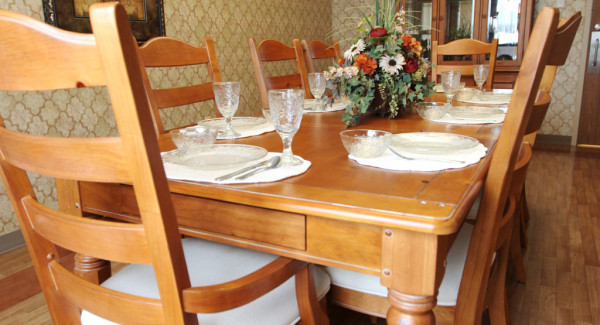 Table with dinnerware